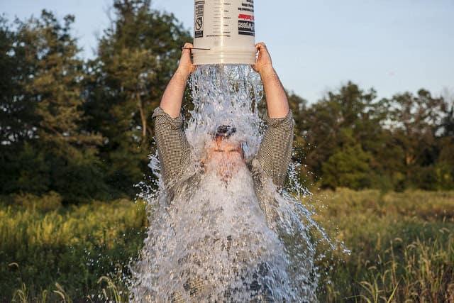 Mennyi pénzt sikerült összegyűjteni az Ice Bucket Challenge segítségével?