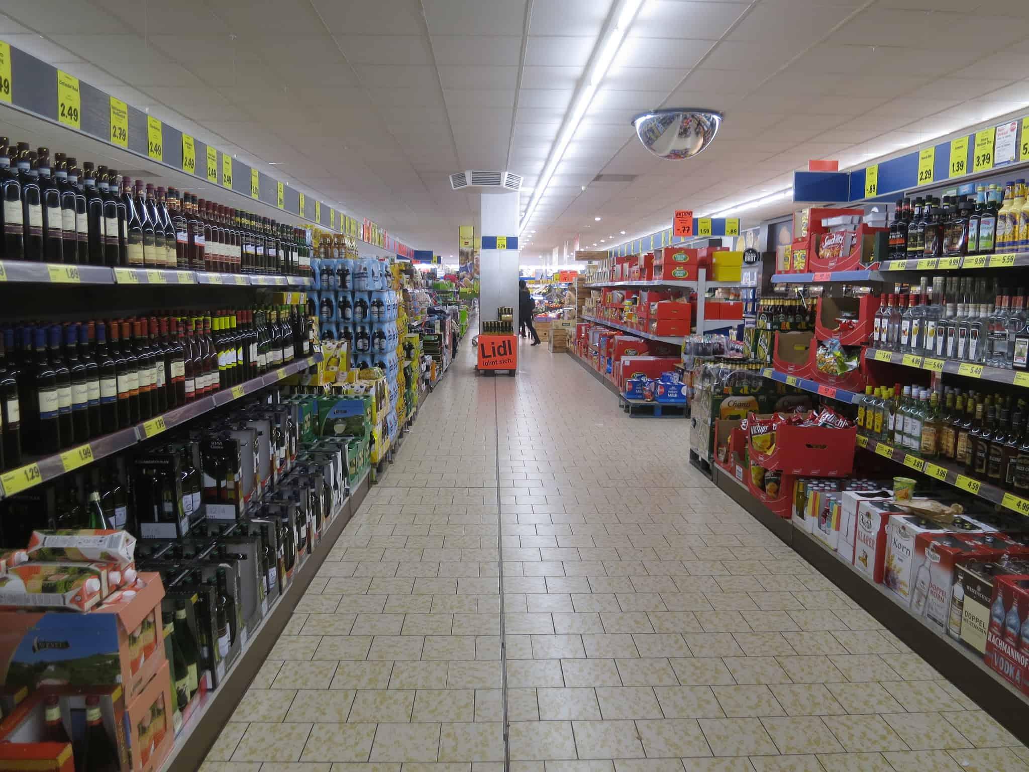 Az Aldi és a Lidl árháborúja teszi tönkre a Nagy-Britannia-i tejipart?