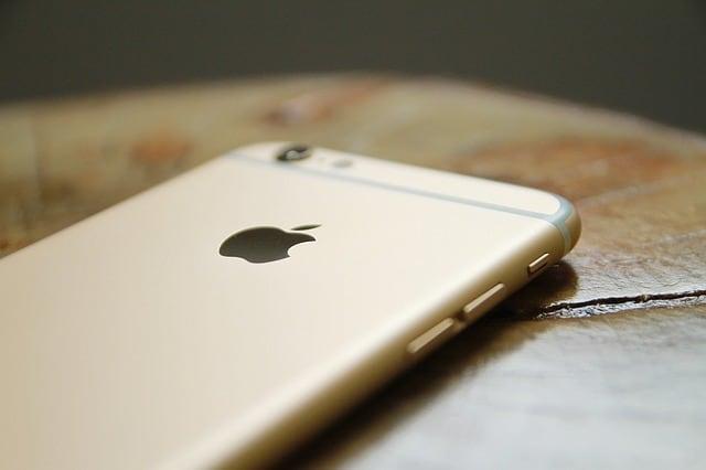 Azt is mondhatjuk, hogy az Apple aranybefektető is egyben – 1 tonna aranyat nyert ki a mobiljaiból 2015-ben