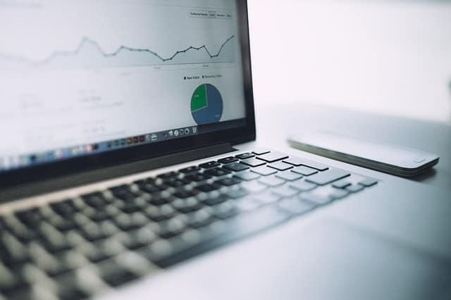 Nincs tőkéd vállalkozás indításához? Akkor kezdj online vállalkozásba!