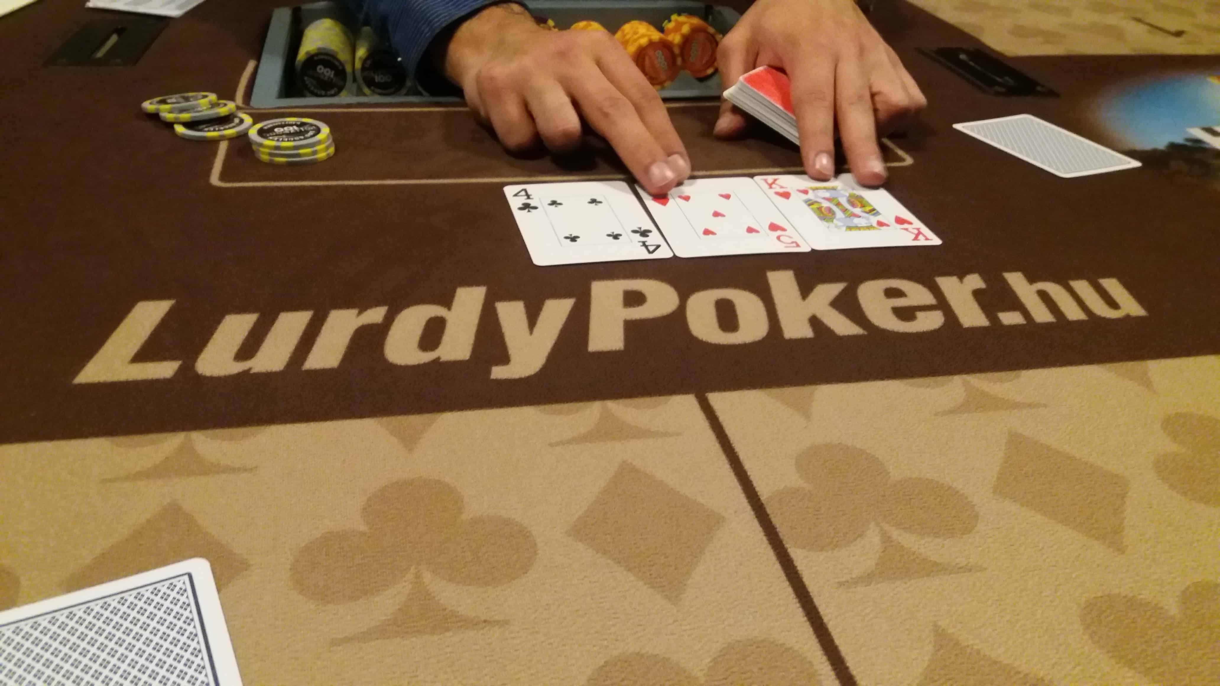 Új neked a póker? Ismerkedj meg a verseny alapjaival! Mit jelent a rebuy, addon, freezout…?