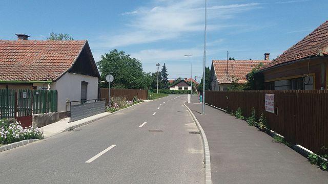 15 magyar településnév, ami cégnévnek (domain -, brandnévnek), terméknévnek is megállná a helyét – Hogyan válasszak nevet a cégemnek?
