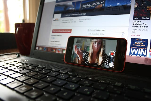 Tippek élő videózáshoz cégeknek, vállalkozásoknak (Facebook és Youtube élő videó)