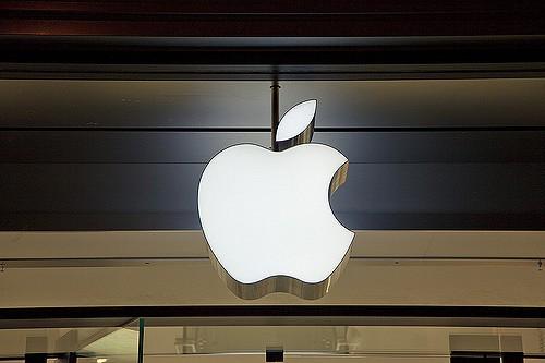 Az Apple-nek van 261 milliárd dollárja a bankszámláján. Nincs mitől félnie, bebetonozta magát.
