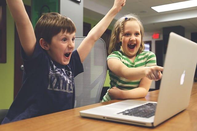 Először azt hitték, hogy csak cégek, grafikusok a felhasználóik, aztán kiderült, több gyerek is használja