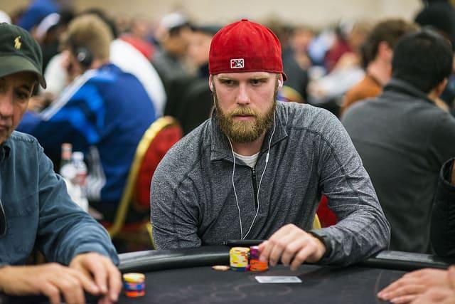 5 dolog, amiért egy jó pókeresnek érdemes kipróbálnia a tőzsdét