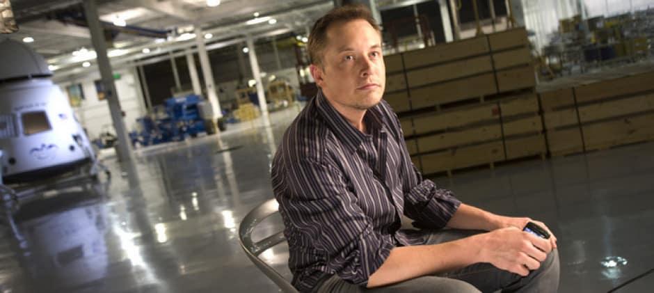 Elon Musk 80 órát dolgozik egy héten. Ez tényleg sok? Munkamániás?