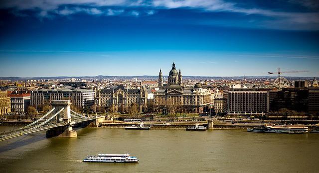 """""""Magyarország túl kicsi piac egy vállalkozásnak, nekem"""" – Valaki ezt gondolja. Tényleg így van?"""