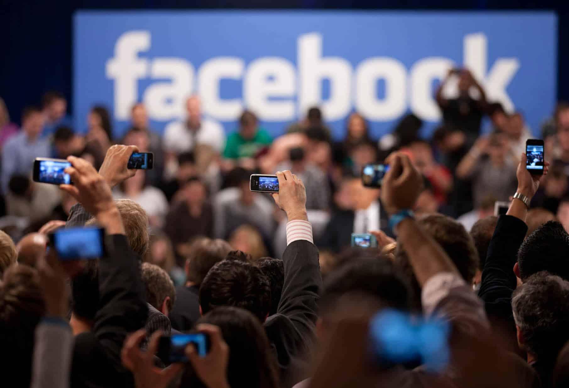Hogyan hat ki a Facebook botrány a részvényekre? Bíznak még benne a befektetők?