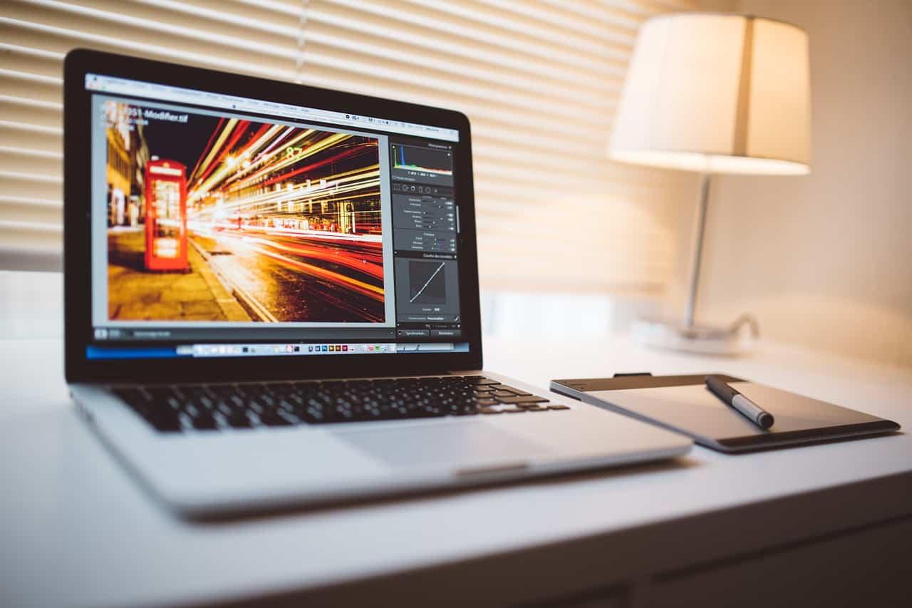 14. üzleti ötlet: Blogból vállalkozás, még milliárdos példánk is van.