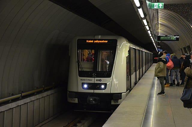 Mennyibe kerül egy kiadó üzlethelyiség a 4-es metró aluljáróiban?