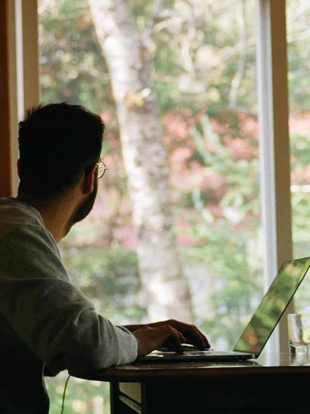 A home office túlórát jelent?